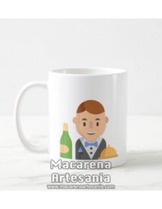 Taza de cerámica de un simpático camarero. Solo en venta en alta calidad en nuestra tienda online