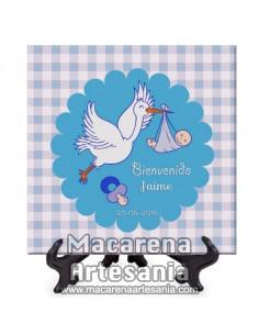 Azulejo cuadrado personalizado para recuerdo de nacimiento de niño. Solo en venta en nuetra tienda de regalos