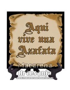 """Ideal para regalar a la Azafata, Azulejo con el texto """"Aqui vive una Azafata"""" en venta en nuestra tienda."""