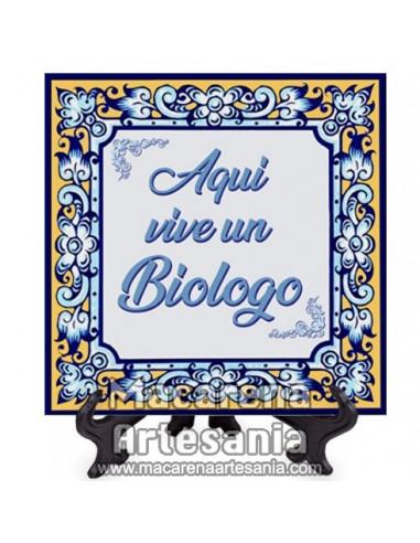 """Ideal para regalar al Biologo, Azulejo con el texto """"Aqui vive un Biologo"""" en venta en nuestra tienda."""