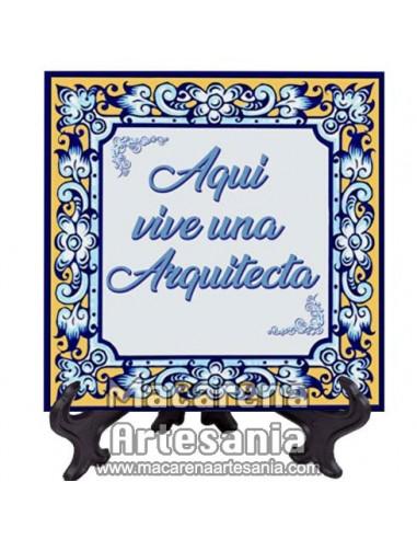 """Azulejo cuadrado ideal para regalar a una Arquitecta con el texto """"Aqui vive una Arquitecta"""" en venta en nuestra tienda"""